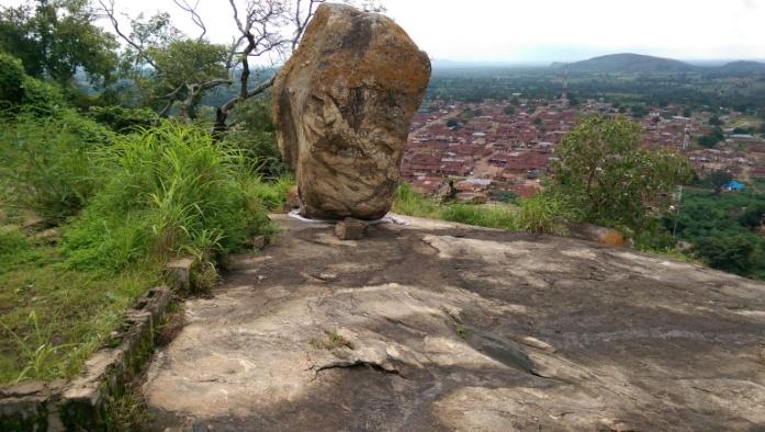 ishage rock1.jpg